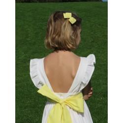 Robe Ondine bretelles décroisées avec volant ceinture jaune pale et jupon