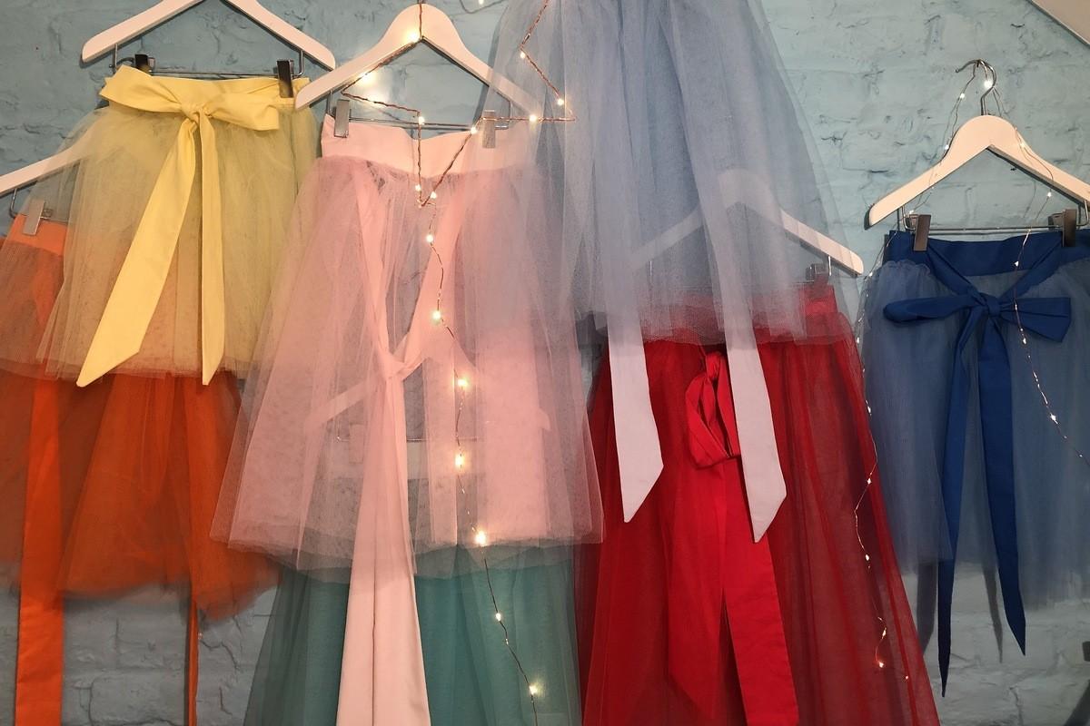 Tule rokken voor de ceremoniële kleding van uw meisjes, in alle kleuren.