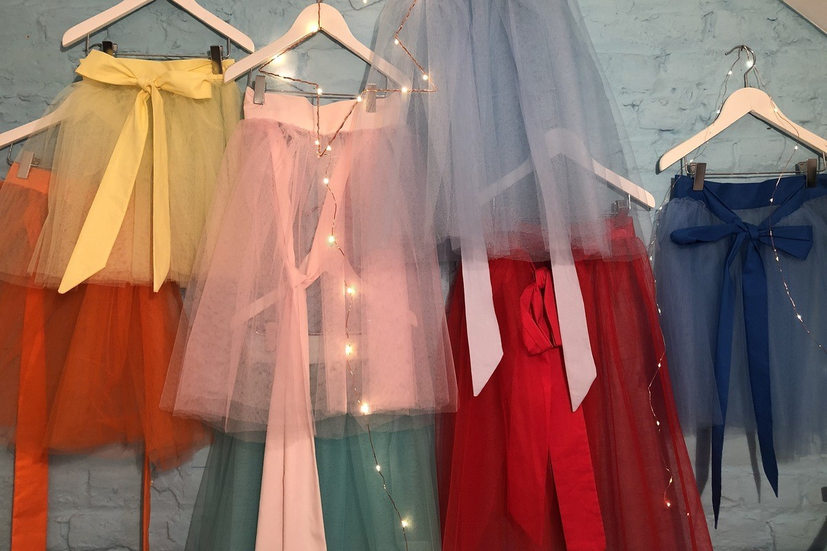 Jupes en tulle pour vos vêtements de cérémonies filles, de toutes les couleurs